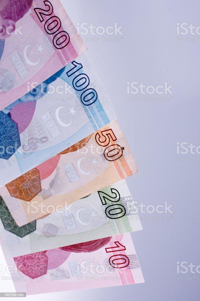 Notas de Lira ilhas ao lado e as notas de dólar americano - foto de acervo