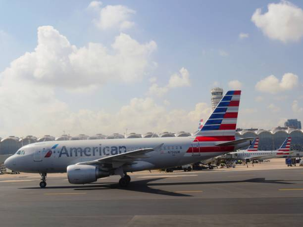 American Eagle aircraft at the Ronald Reagan Washington National Airport ARLINGTON COUNTY, VIRGINIA—SEPTEMBER 2017: An American Eagle aircraft gets ready to take off at the Ronald Reagan Washington National Airport. ronald reagan washington national airport stock pictures, royalty-free photos & images