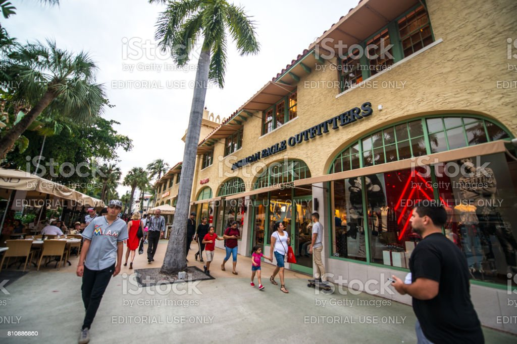 American Eagle Outfitters clothing store on Lincoln Road, Miami Beach stock photo