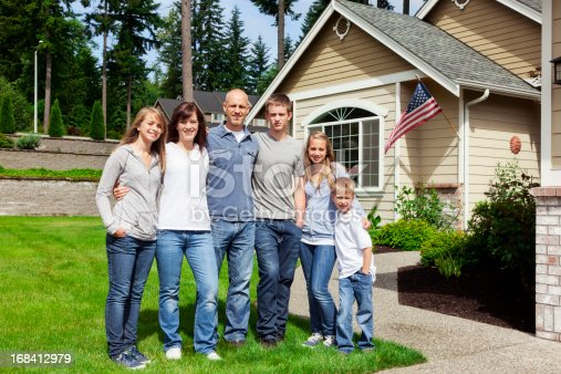 istock American Family of Six at Home 168412979