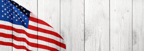 american flag and wood celebration background - banner web foto e immagini stock