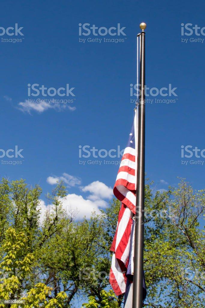 Bandeira americana em meio a equipe - foto de acervo