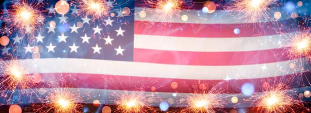 american flag background with lit sparklers - happy 4th of july zdjęcia i obrazy z banku zdjęć