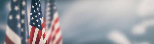 американский флаг в день памяти, 4 июля, день труда - memorial day стоковые фото и изображения
