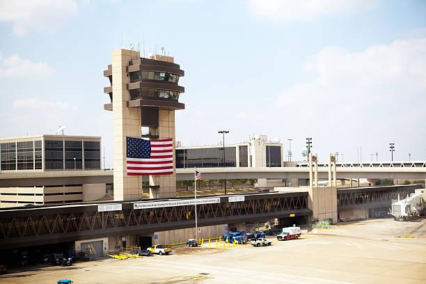 amerykańska flaga powitanie - memorial day zdjęcia i obrazy z banku zdjęć