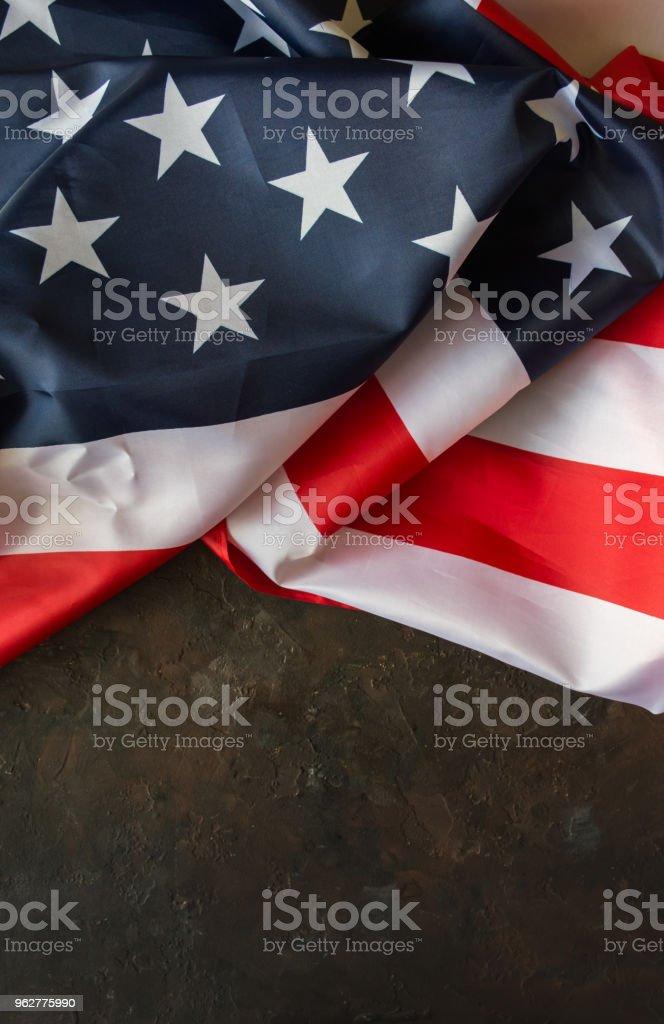 Bandeira americana sobre um fundo de pedra. - Foto de stock de Azul royalty-free