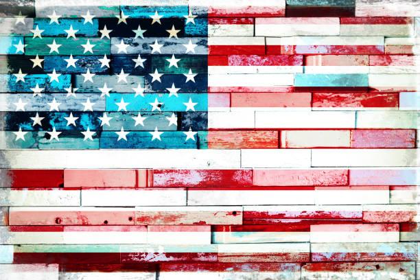 US-amerikanische Flagge auf alten bemalten Grunge Holz dieplanel Hintergrund – Foto