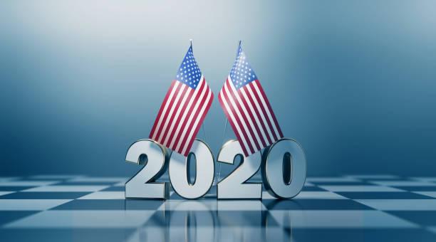 american flag pair and 2020 on a chess board - выборы президента стоковые фото и изображения