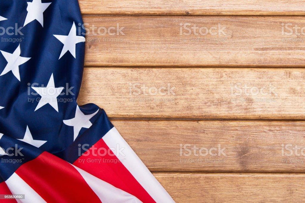 Fundo de madeira bandeira americana. A bandeira dos Estados Unidos da América. Modelo. A vista do topo. - foto de acervo