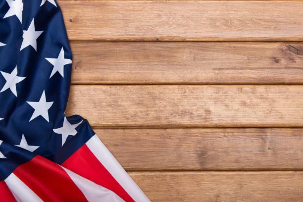 amerikan bayrağı ahşap arka plan. amerika birleşik devletleri bayrağı. üstten template.the görünüm. - columbus day stok fotoğraflar ve resimler