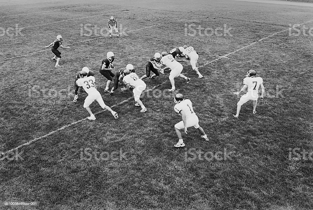 American football game, elevated view (B&W) foto de stock libre de derechos