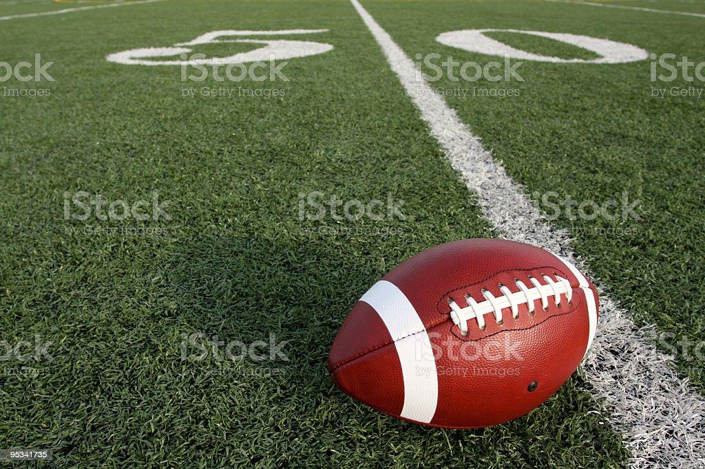 Futbol amerykański w pobliżu Linia 50-cio jardowa – zdjęcie