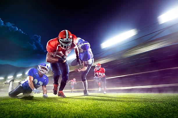 american-football-Spieler in Aktion auf grand arena – Foto