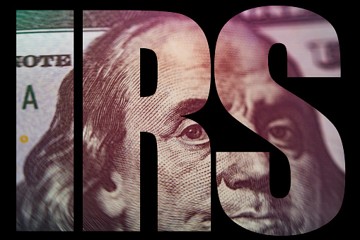 Irs Amerikaans Geld Macro Closeup Van Ben Franklins Gezicht Op De Amerikaanse 100 Dollar Bill Stockfoto en meer beelden van Bankieren