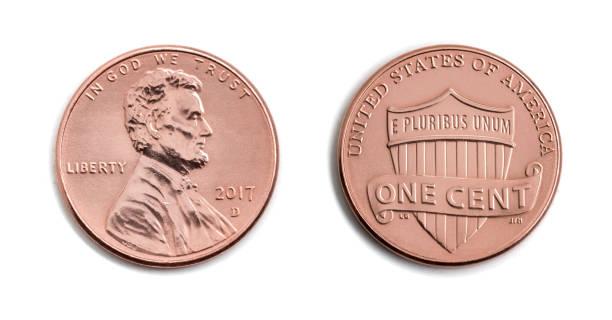 amerikanischen cent, usa 1 c, bronzemünze isoliert auf weißem hintergrund. abraham lincoln auf kupfermünze realistische fotobild - beidseitig - lincoln united stock-fotos und bilder