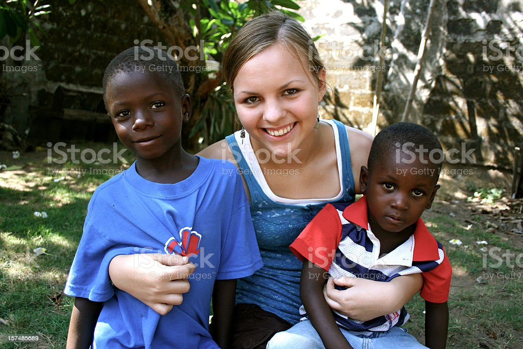 American Teen mit afrikanischer Kinder - Lizenzfrei Adoption Stock-Foto