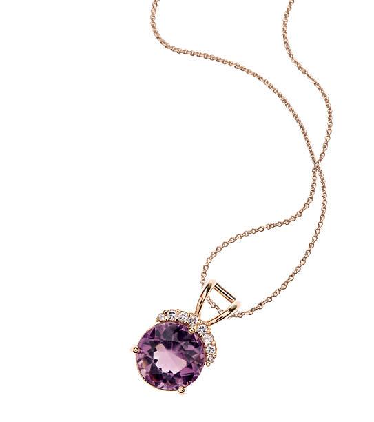 аметист & колье с бриллиантами - ожерелье стоковые фото и изображения