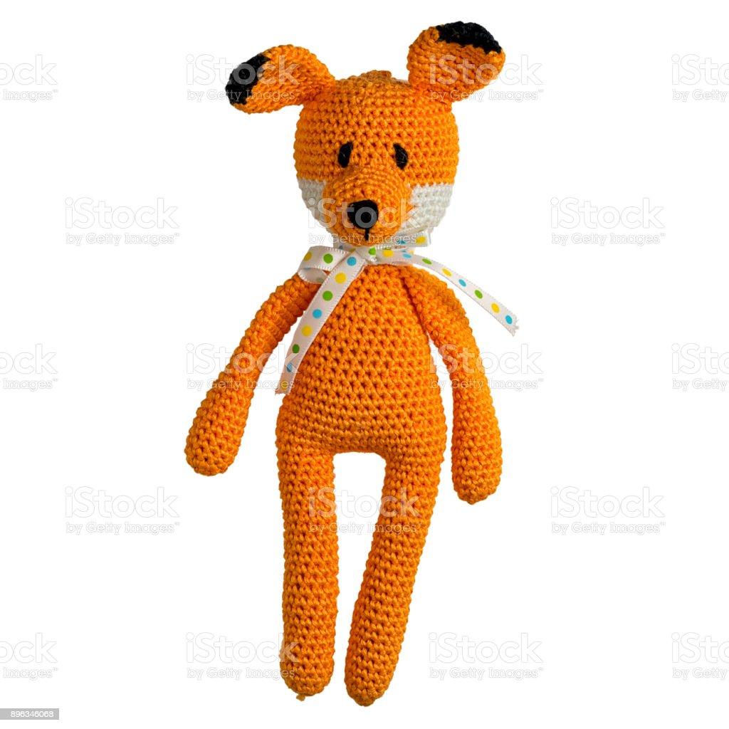 juguete de fox ganchillo amigurumi aislado sobre fondo blanco - foto de stock