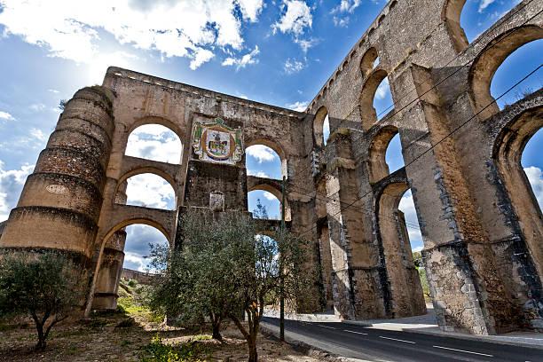 amoreira aqueduto em elvas, portugal - portalegre imagens e fotografias de stock
