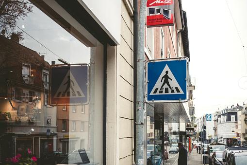 Ampelmannchen street sing