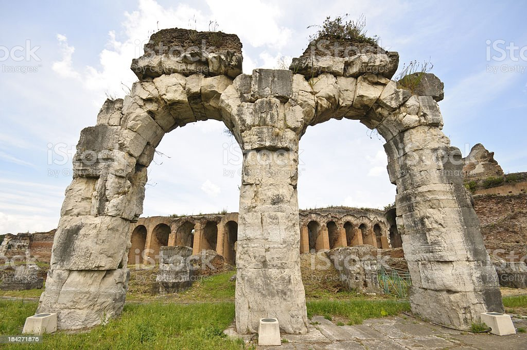 Amphitheater von Capua rechts – Foto