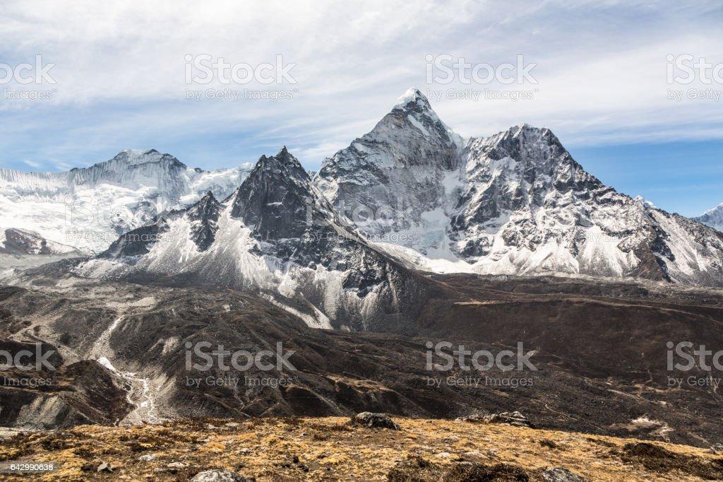 ネパール ヒマラヤのメープリーク Gyabjen ピーク (5630 m) ストックフォト