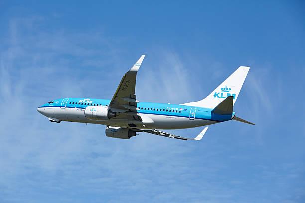 Amsterdam Airport Schiphol-Boeing 737 Von KLM startet – Foto