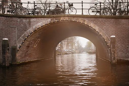 Amsterdam Canal Bogen Stockfoto en meer beelden van Amstel