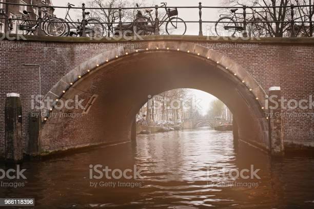 Amsterdam Canal Valv-foton och fler bilder på Amstel