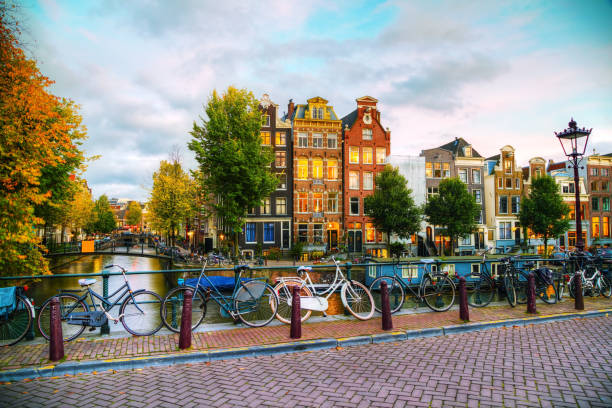 Amsterdam city view with canals and bridges - foto de stock