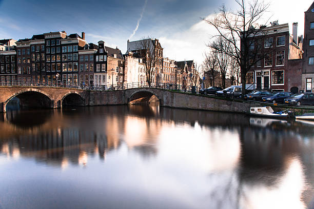 Amsterdam Netherlands canal in city foto