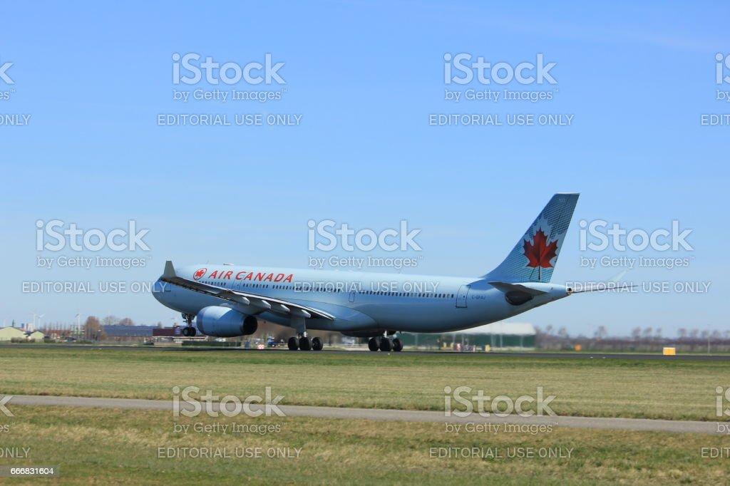 Amsterdam, Pays-Bas - 25 mars 2017: C-GFAJ Air Canada Airbus - Photo