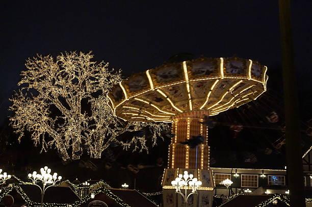amusement park by night - liseberg bildbanksfoton och bilder
