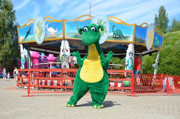 amusement park visulahti in finland, mikkeli - mascotte photos et images de collection