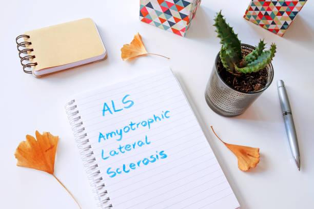 als amyotrophe lateralsklerose geschrieben in notebook - arzt zitate stock-fotos und bilder