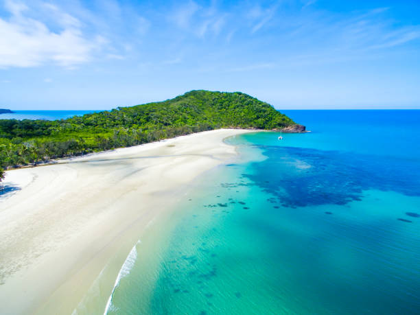 an aerial view of cape tribulation in north queensland, australia - great barrier reef marine park stock pictures, royalty-free photos & images