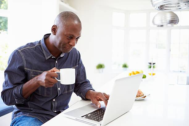 15,855 Older Black Man On Computer Stock Photos, Pictures & Royalty-Free  Images - iStock