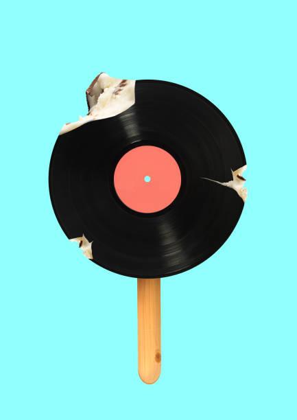 ein alternatives eiscreme. modernes design. zeitgenössische kunstcollage. - flyer inspiration stock-fotos und bilder