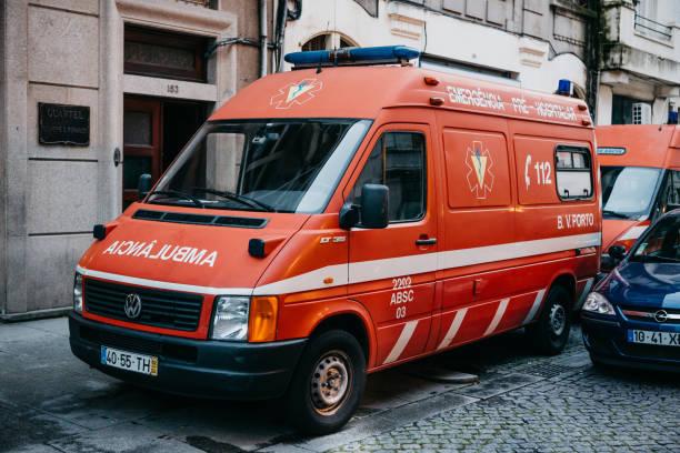 an ambulance on the city street. emergency help. ambulance service 112 - resultados lisboa imagens e fotografias de stock