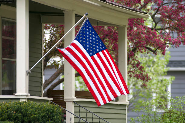 미국 국기 자랑 스럽게 표시. - us flag 뉴스 사진 이미지