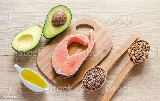 Alimentos Con Grasas No Saturado Foto de stock y más banco de imágenes de Aceite de hígado de pescado