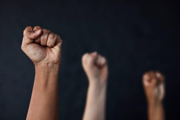 힘을 실어주는 세대가 다음 세대에게 힘을 실어줍니다. - black power 뉴스 사진 이미지