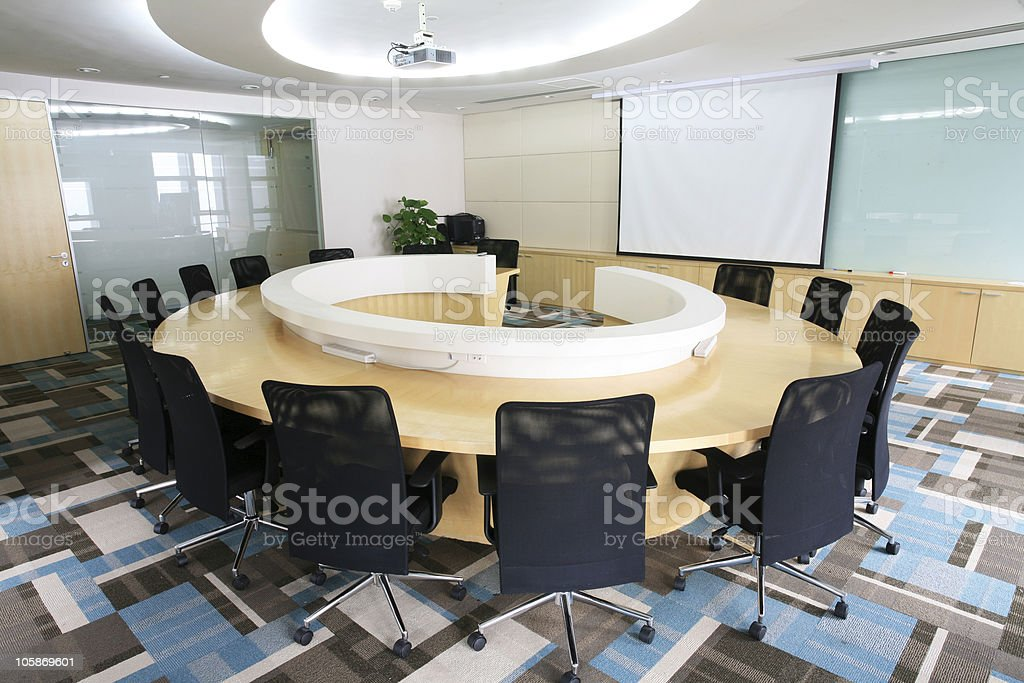 Merveilleux An Empty Meeting Room And A Round Table Stock Photo