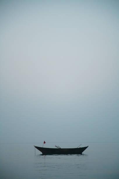 Ein leeres altes Fischerboot – Foto