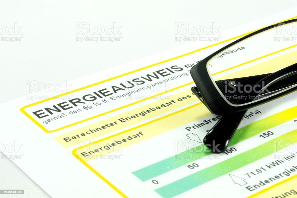Ein Enegrieausweis stock photo