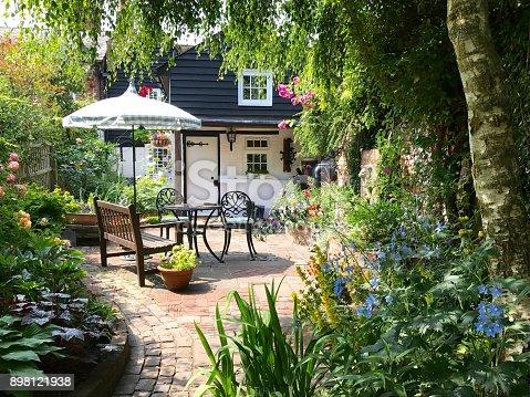 istock An English cottage garden 898121938