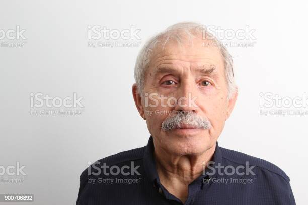 An old man looking at camera with a serious facial expression picture id900706892?b=1&k=6&m=900706892&s=612x612&h=g9bpcjx0v9nck6dd0zchh0otnyzdzfdlrxz4whkppii=