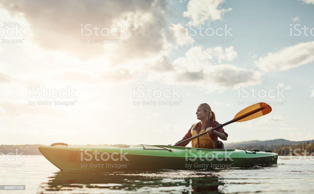 Una actividad al aire libre con un poco de ejercicio implicado - foto de stock