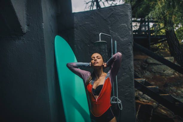 Eine Outdoor-Dusche nach dem Surfen – Foto