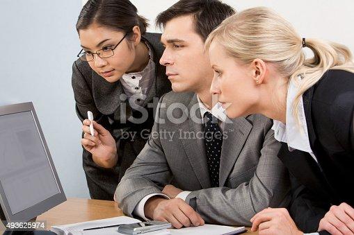 istock Analysing 493625974